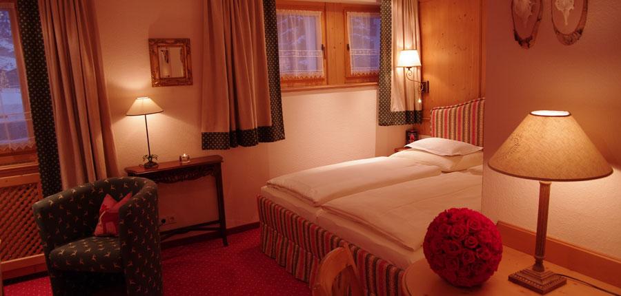 austria_arlberg-ski-area_zurs_hotel_Erzberg_bedroom_double.jpg